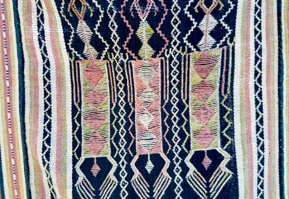 Tais: Traditional Textiles