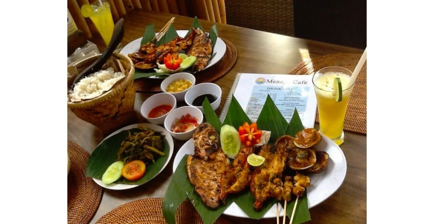 Eating in Bali