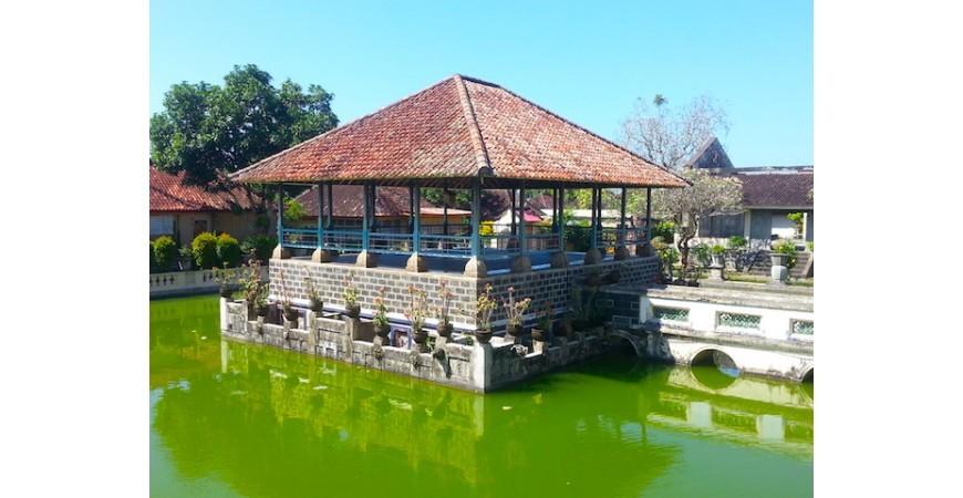 Puri Karangasem: Pavilions